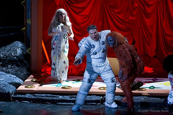 http://www.thomasgeist.de/pages/Portfolio/Theater/Rigoletto/slides/Rigoletto27.jpg